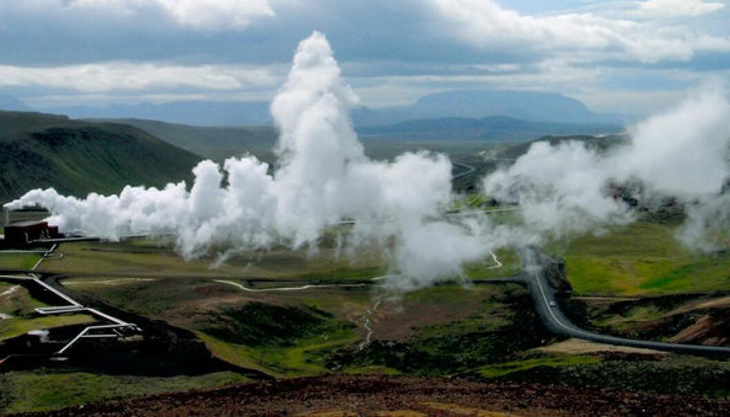 Kraftverk som utnytter jordvarme finnes i dag stort sett bare i vulkanske områder – som her på Island. Bildet viser det geotermiske kraftverket Krafla som ble satt i drift i 1977. GEO / Halfdan Carstens