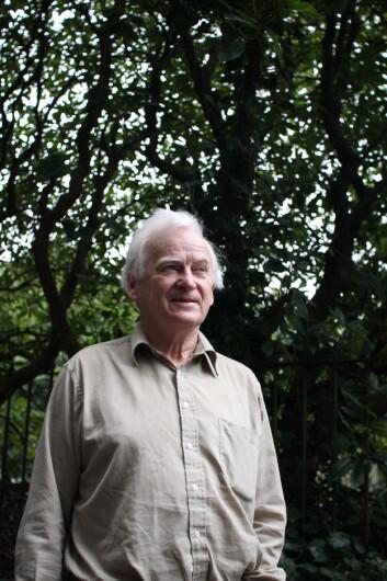 Dagfinn Moe er professor emeritus ved Universitetsmuseet i Bergen. Han arbeider på et større arbeid om bergensk hagehistorie. (Foto: Walter Wehus)