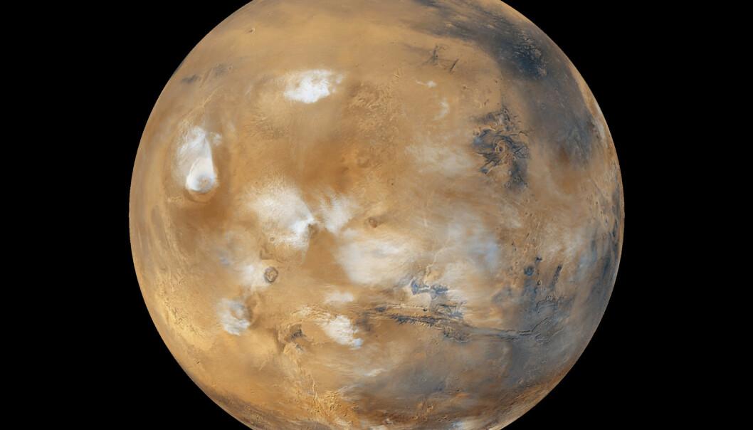 Organisasjonen Mars One vil grunnlegge en koloni på Mars, og allerede i år 2023 skal de første astronautene lande på planeten. Her skal de bo i lufttette hus som forsynes med oksygen og vann – begge deler skal utvinnes fra isen på Mars. NASA