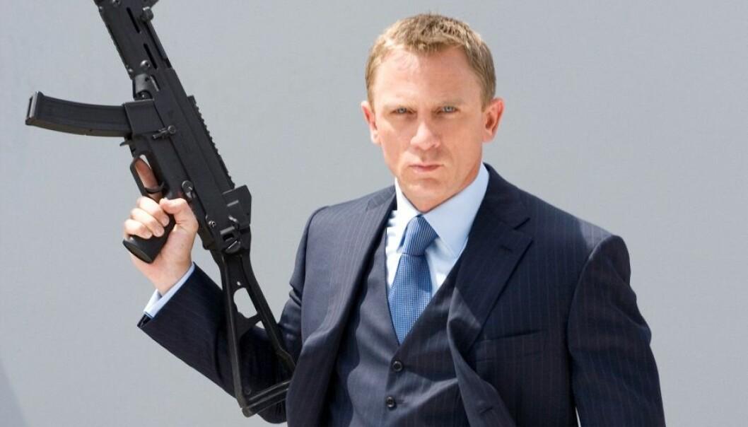James Bond har blitt stadig voldeligere med åra. Her i Daniel Craigs skikkelse, fra filmen Casino Royale. Sony Pictures Release International