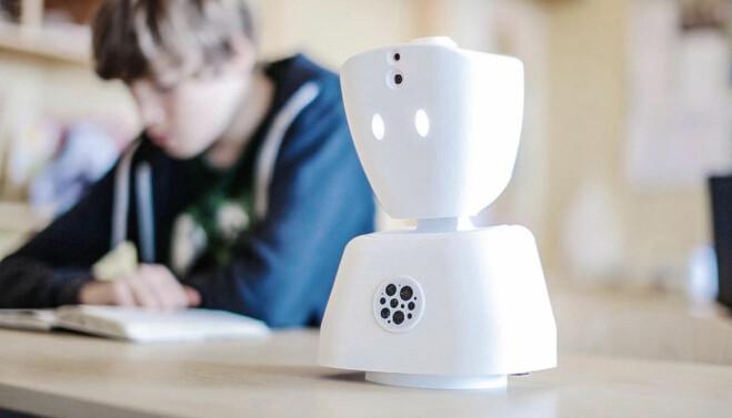 AV1-roboten kan hjelpe barn som må følge skoleundervisning hjemmefra.