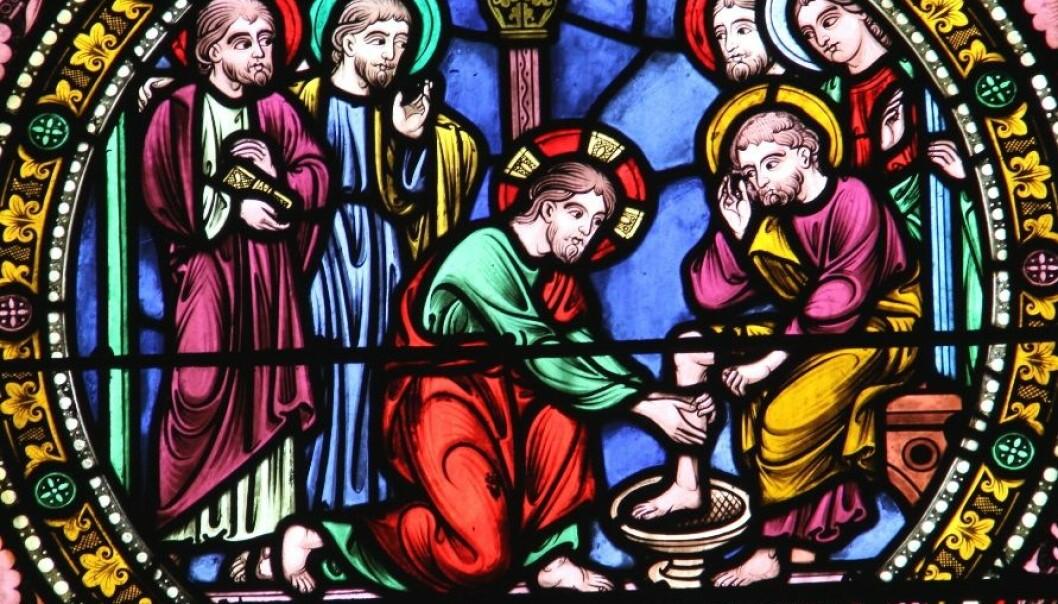 Skikken med å døpe nyfødte husdyr på skjærtorsdag har noe med Jesu fotvasking å gjøre. (Illustrasjon: Marco Desscouleurs)