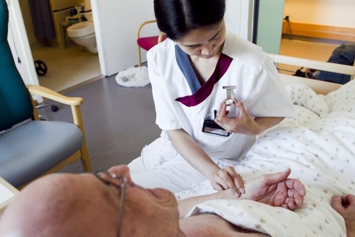 Det finnes ifølge undersøkelsen ingen  felles forståelse av hvilken rolle pasienten skal spille i behandlingsløpet. Selv om det er en kjent sak at involvering i egen sykdom gir bedre helse. (Foto: Scanpix, Heiko Junge)