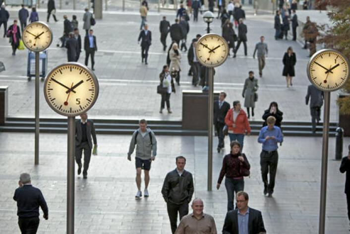 Finanskrisa ga økt hyppighet av selvmord i flere europeiske land, hevder forskere. Bildet viser folk på vei til arbeid i Londons finansdistrikt. (Foto: iStockphoto)
