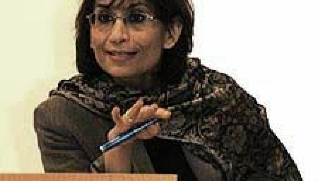 """""""Ziba Mir-Hosseini understreker hvor viktig det er å skille mellom den guddommelige viljen bak loven, sharia (veien), og fiqh (forståelse), som er måten den blir fortolket av mennesker."""""""