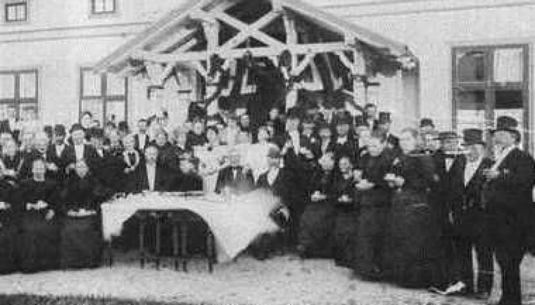 Diamantbryllup på Rullestad gård. 25.juni 1896. Jubilantene Anne Helene og Andreas Drømtorp. Digitalt museum