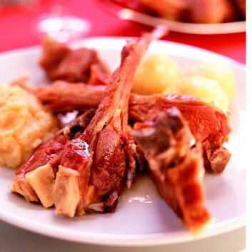 Stadig flere nordmenn spiser pinnekjøtt til jul. (Foto: Aina C. Hole)