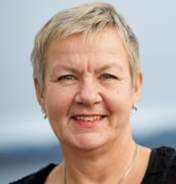 Grethe Rosenlund hos Skretting prøvar å finna ut kor mykje omega-3 laksen eigentleg treng for å halda seg ved helsa. (Foto: Jan Inge Haga)