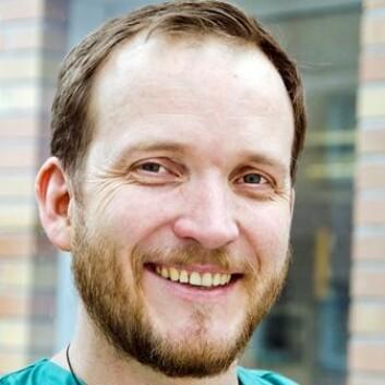 Morten Hagness har tatt doktorgraden i transplantasjonskirurgi, på en studie som viser høy overlevelse blant tarmkreftpasienter som fikk transplantert lever. (Foto: Ram Gupta/Oslo Universitetssykehus)
