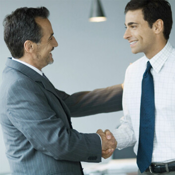 Ansatte som har en støttende leder, opplever å bli investert i. Det er lønnsomt, viser studie fra BI. (Illustrasjonsfoto: www.colourbox.no)