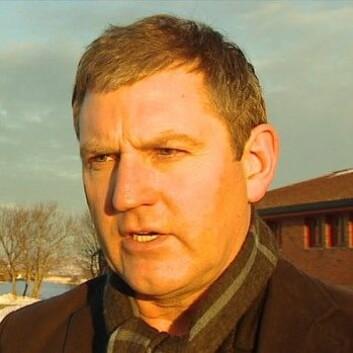 Hans Kristian Norset, leder av ei gruppering av de mest støyutsatte ved den kommende kampflybasen på Ørland. (Foto: NRK)
