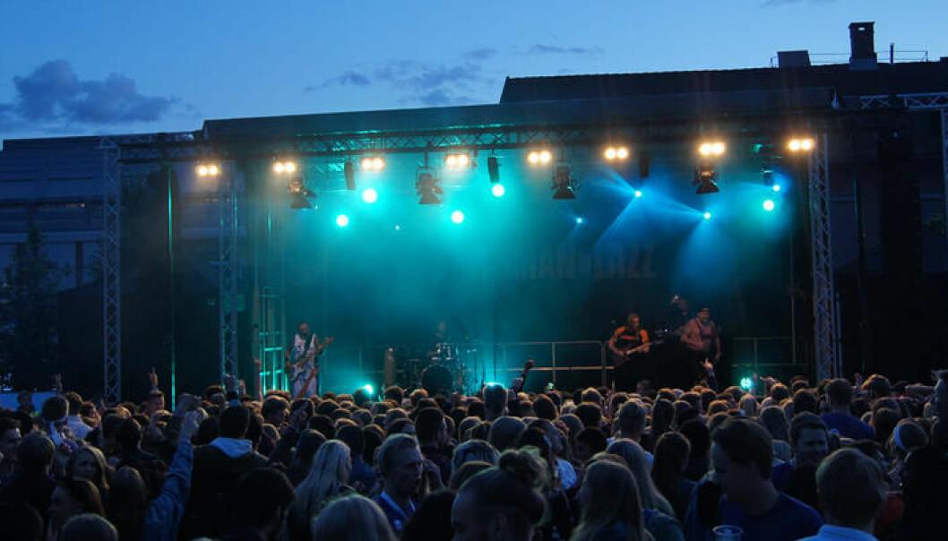 Høgskolen i Innlandet iverksetter nå flere tiltak som arrangementene under fadderuka må forholde seg til. Her fra faddderuka på Lillehammer i 2019.