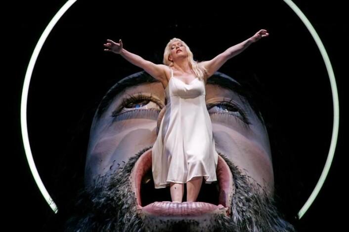 Her er Emily Magee i rollen som Salome under en oppsetning i Salzburg. (Foto: Forster)