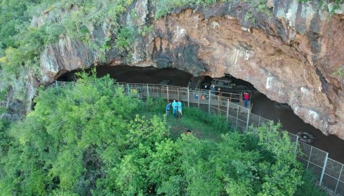 Dette er Border Cave i Sør-Afrika. Hulen har vært bebodd av mennesker i flere hundre tusen år.