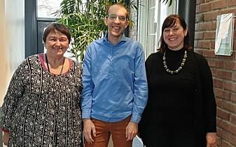Prosjektleder Jacqueline Floch (fra venstre), forsker Trond Halvorsen fra Sintef og prosjektmedarbeider Solveig Reitan fra Røde Kors.