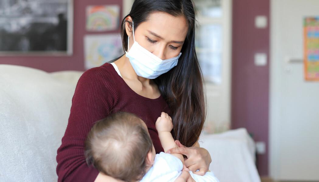 Så lenge hygienen er god og moren bruker munnbind er det veldig lite sannsynlig at barnet blir smittet, ifølge en liten studie fra USA.