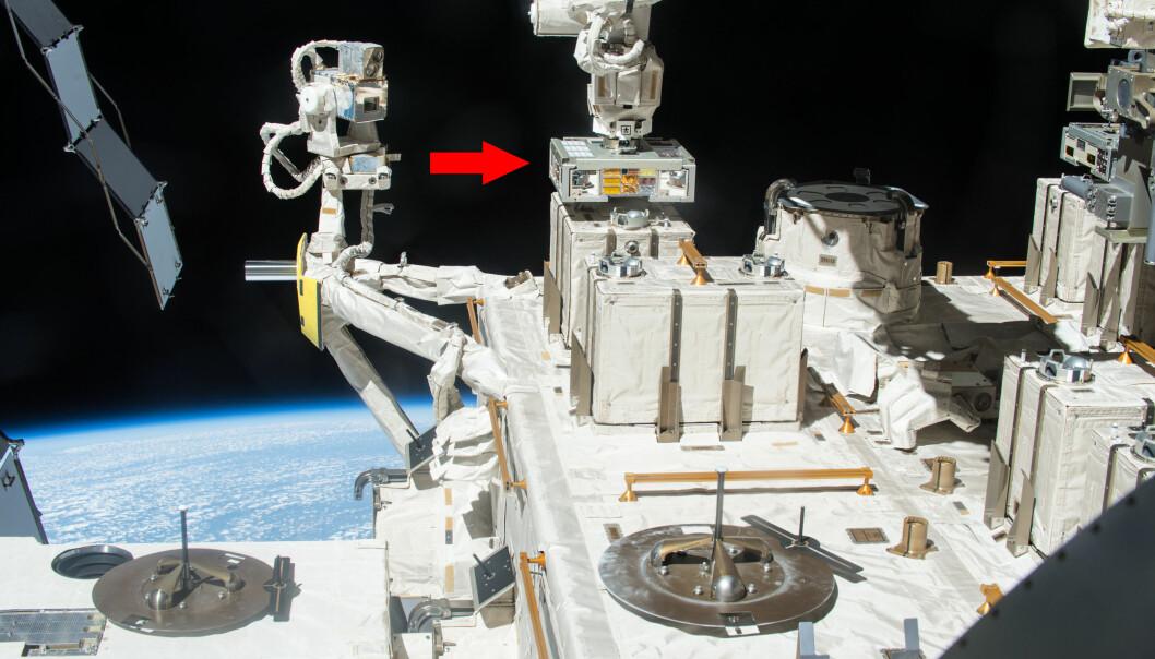 Mellom 2015 og 2018 campet mange små bakteriekolonier på utsida av den internasjonale romstasjonen (ISS).