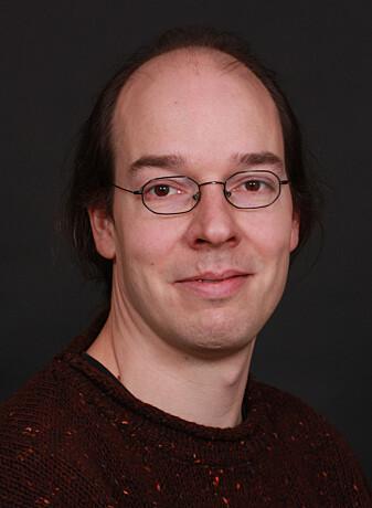 Torsten Bringmann er professor ved Universitetet i Oslo og jobber med astropartikkelfysikk og kosmologi.