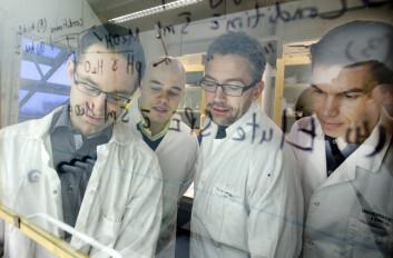 Det svenske forskerteamet fra Umeå universitet: Jerker Fick, Jonatan Klaminder, Tomas Brodin og Micael Jonsson (Foto: Johan Gunséus)