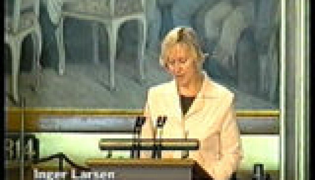 """""""En kvinnelig politiker holder en tale om mange ting, og vi hører en tale om familiepolitikk."""""""