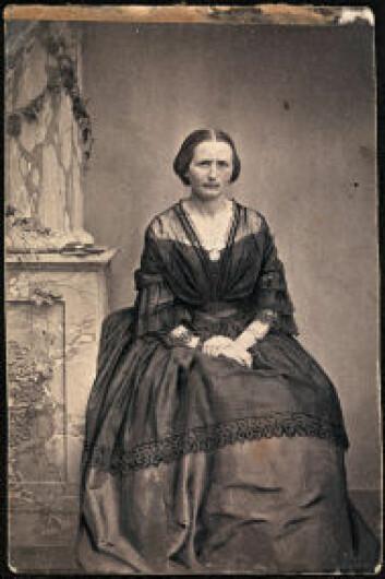 Camilla Collett, 1860. (Foto: Nasjonalbiblioteket)