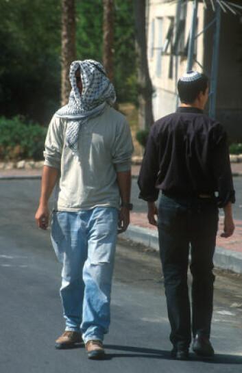 """""""Forskerne mener at arabernes posisjon i det israelske samfunnet er med på å gjøre at de snakker hebraisk med en tykkere aksent. (Illustrasjonsfoto: iStockphoto)"""""""