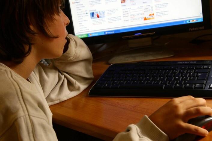 """Barn med lav selvtillit er overrepresentert i kategorien """"overdreven bruk av internett"""". (Illustrasjonsfoto: Colourbox)"""