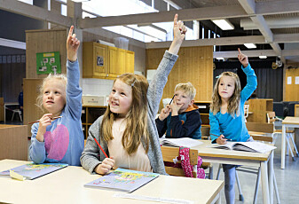 Hvorfor er jenter flinkere enn gutter på skolen?