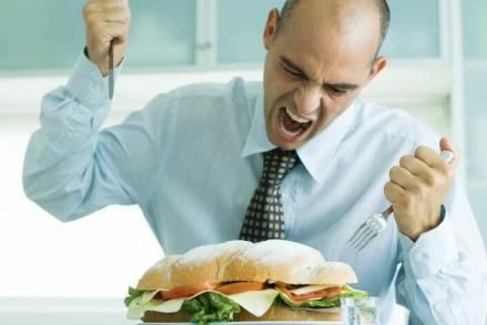 En ny undersøkelse viser at folk er mer tilbøyelige til å støtte en sosial velferdspolitikk før lunsj enn etter lunsj. (Foto: Colourbox)