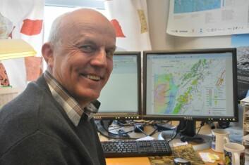 NGU-forsker Odleiv Olesen publiserer sammen med flere kolleger de nye teoriene om dypforvitringens påvirkning på at strandflaten ble dannet. (Foto: NGU)