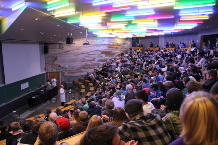 Full sal når professor Martin Ystenes holdt sin knallforelesning. (Foto: Kristina Jones, NTNU