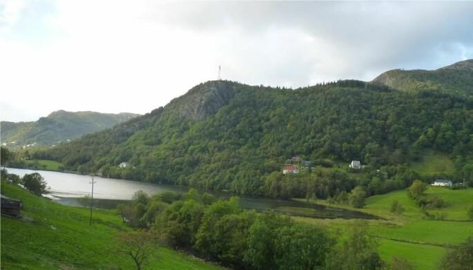 Idylliske Jordalsvatnet i Bergen.