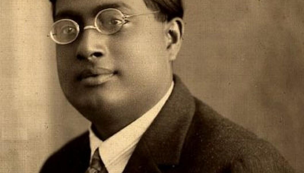 Satyendra Nath Bose, som levde på samme tid som Albert Einstein, har fått halve Higgs-bosonet oppkalt etter seg. Wikimedia Commons
