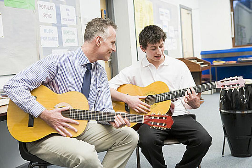 Musikk har vært brukt i tusenvis av år i forskjellige kulturer i helbredelse. Nyere forskning viser at moderne musikkterapi har positiv effekt mot både psykiske og somatiske lidelser. (Illustrasjonsfoto: www.colourbox.no)