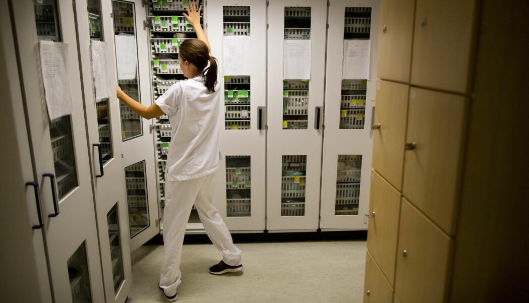 Sykepleiere er blant arbeidstakerne som må jobbe om natta. Blir kvinner påvirket annerledes enn menn av nattarbeid?