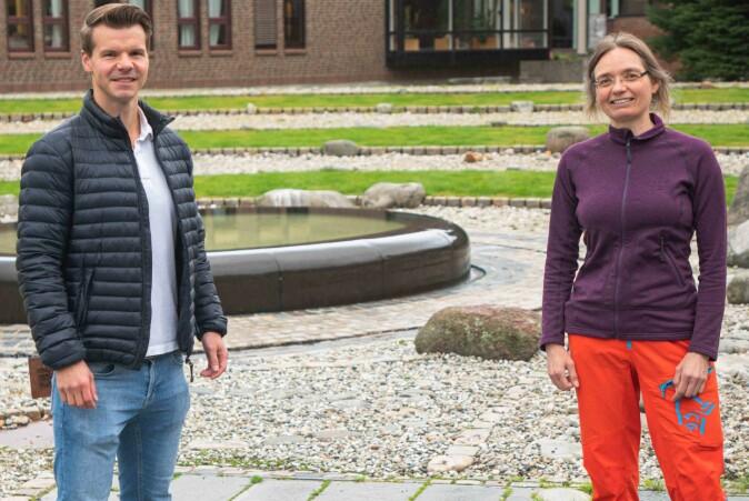 Martin Mækelæ og Gerit Pfuhl fra Institutt for psykologi ved UiT har forsket på våre reaksjoner på covid-19 restriksjonene som ble innført i mars, 2020.