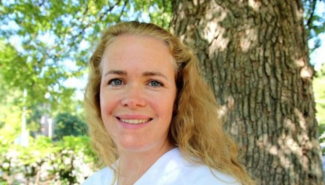 Røntgenlege Helga Brøgger føler seg ikke truet av maskiner.