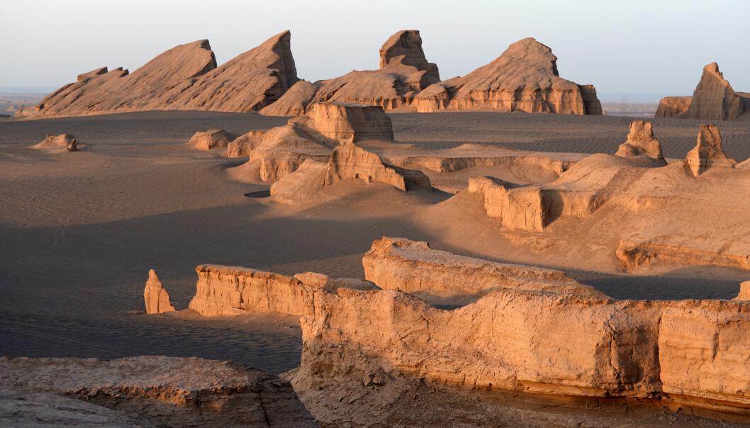 Slik ser det ut i ørkenen Dasht-e Lut, et av de varmeste stedene på jorda.