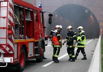 Brannmennene i studien er mer redde for trafikkulykker og kreft enn for å brenne inne. (Illustrasjonsfoto: www.colourbox.no)
