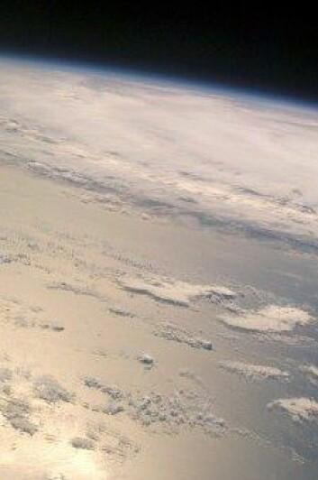 Norske romforskarar vil måle forstyrringar høgt oppe i atmosfæren med hjelp av norskutvikla teknologi. (Foto: ESA)