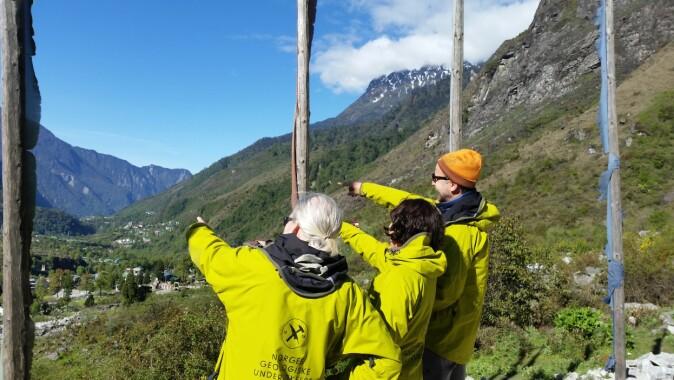 NGU-forskarane John Dehls, Reginald Hermanns og Ivanna Penna i Sikkim i India, kor Yumthang-skredet gjekk i 2015.
