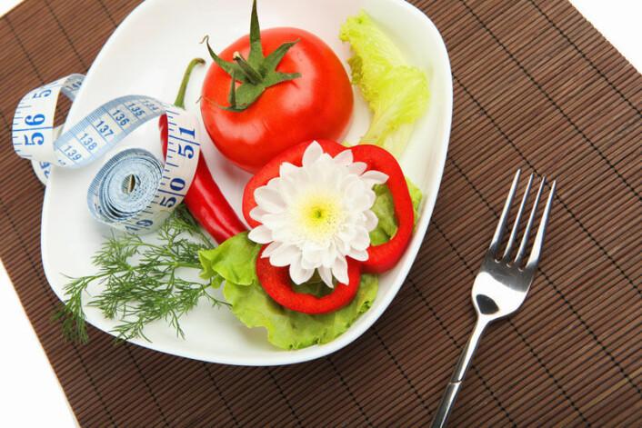 Utdanningsnivå hos foreldrene har sammenheng med tilgjengeligheten av frukt og grønt i hjemmene. (Foto: Colourbox)
