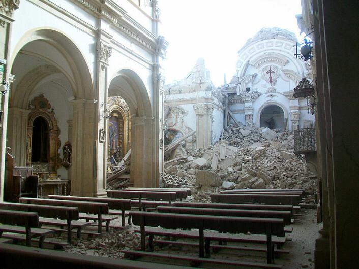 La iglesia de Santiago i Lorca ble ødelagt av jordskjelvet i 2011. (Foto: antonio periago/Wikimedia Commons)