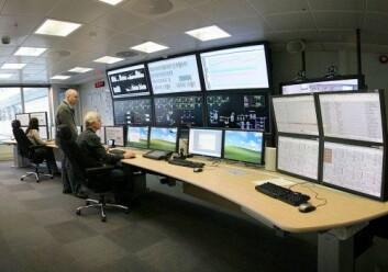 Olje- og gassinstallasjoner har stadig mer styring fra land ved hjelp av datasystemer. Bildet viser det landbaserte kontrollrommet for Valhallfeltet som ble operativt i januar 2012. (Foto: © BP p.l.c.)