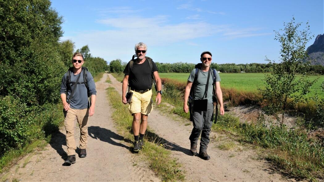 Tre generasjoner forskere i felt for å kartlegge norsk natur, fra venstre: Knut Hessen, Gunnar Engan og Thomas Holm Carlsen.