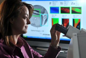 Det krever mange års prøver i laboratoriet, milliarder av kroner og tester på tusenvis av mennesker før et nytt stoff kommer på markedet. (Foto: Argonne National Laboratory)