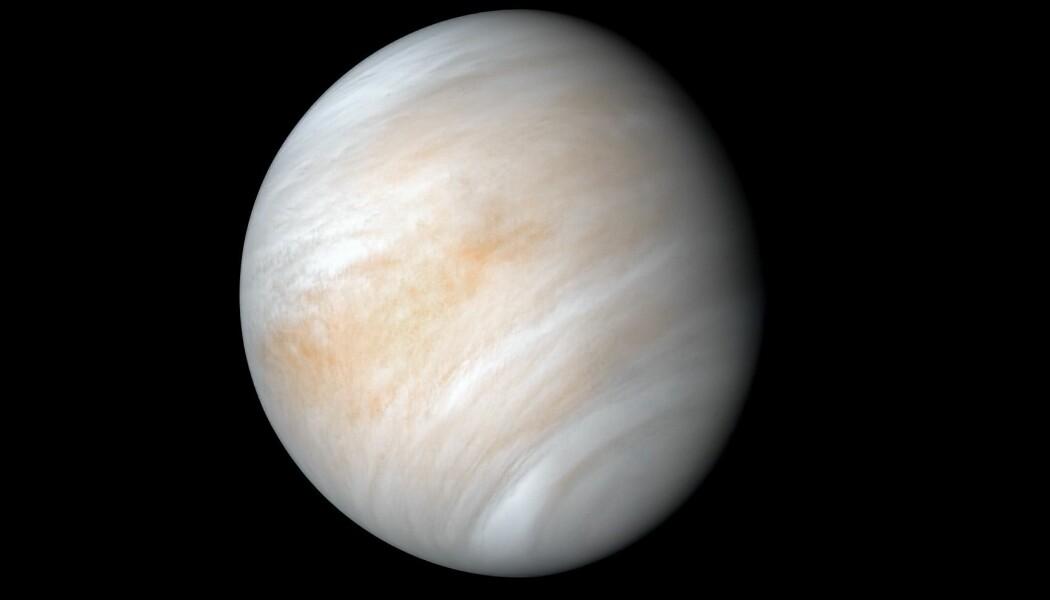 Venus sett fra Mariner 10-sonden, som fotograferte planeten i 1974. Dette er et oppusset bilde.