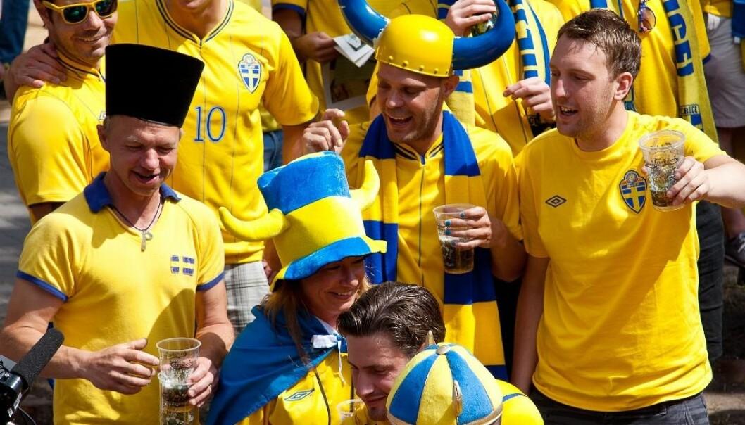 Det er som regel i forbindelse med sportsarrangementer og sammen med venner at svenske menn havner på en fuktig snurr. Gjerne kombineres kanskje alle tre samtidig. Colourbox