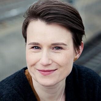 I 2016 skrev Ylva Østby boken Å dykke etter sjøhester. En bok om hukommelse sammen med søsteren sin Hilde Østby.