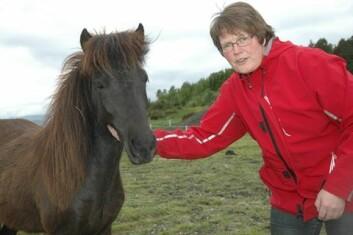 Forsker Astrid Johansen ved Bioforsk Midt-Norge i Stjørdal her ledet prosjektet om grovfôr til hest. (Foto: Jon Schärer)